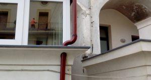 Sfide: l'architetto contro il tubo della pluviale – di Christian De Iuliis