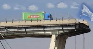 Sul ponte sventola bandiera bianca – di Eduardo Alamaro
