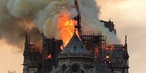La Cattedrale brucia, l'Europa piange – di Alessandra Muntoni